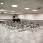 Salle RDC avec chaises